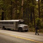 Autobús escolar convertido en una casa de diseño